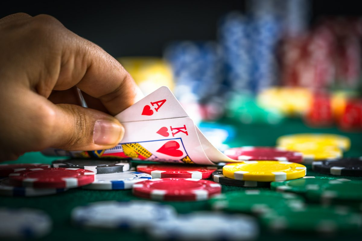 Ten Important Components For Online Casino